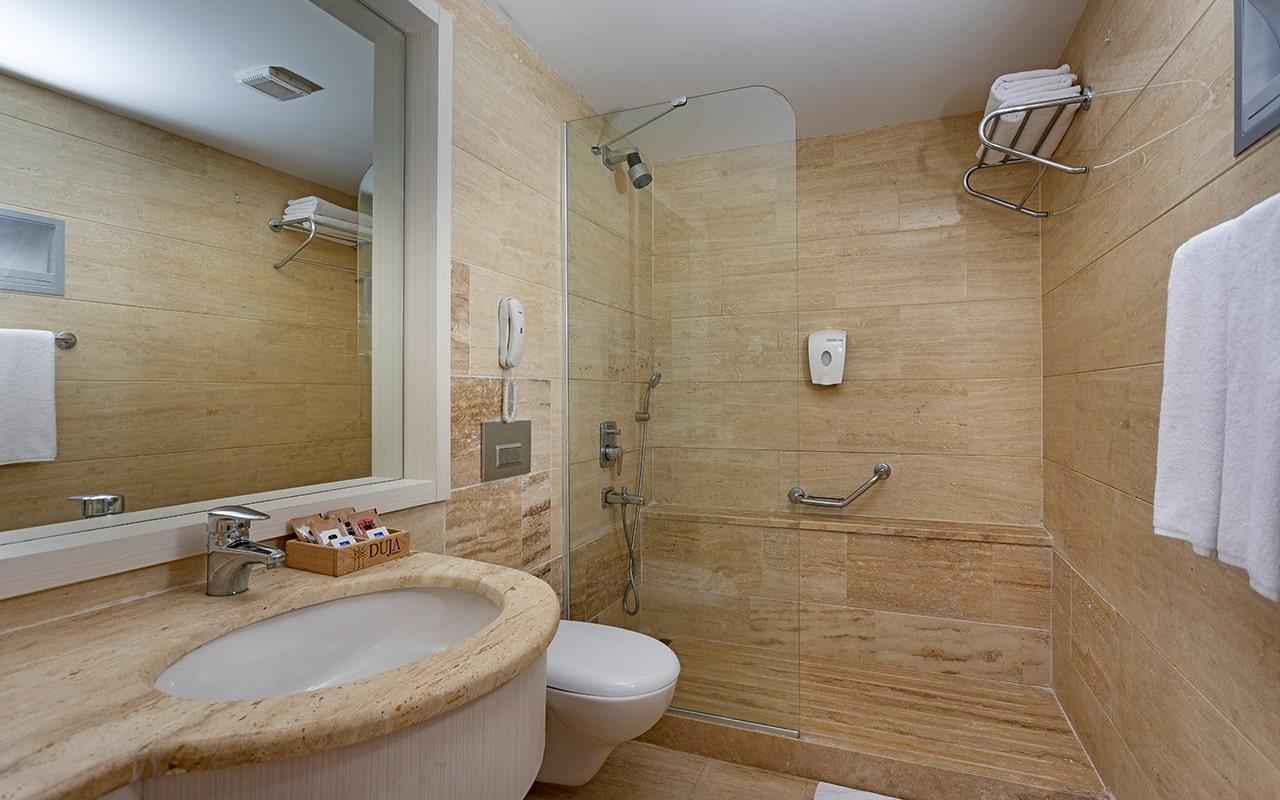 Village-Room-Bathroom-min
