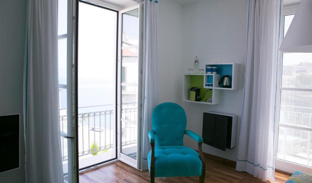 Junior-Suite-with-Balcony---Annex-min