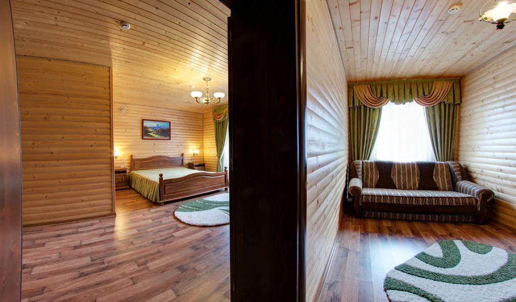 room-half-lux-02-w900