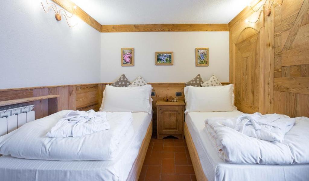 Bucaneve Apartments (13)