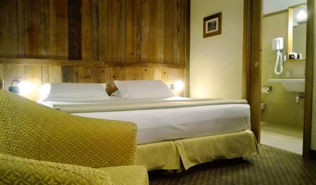 Comfort-Double-Room-2-min