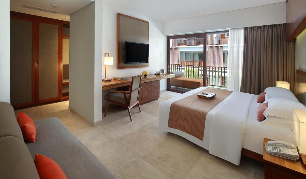 Deluxe-Double-or-Twin-Room-2-min