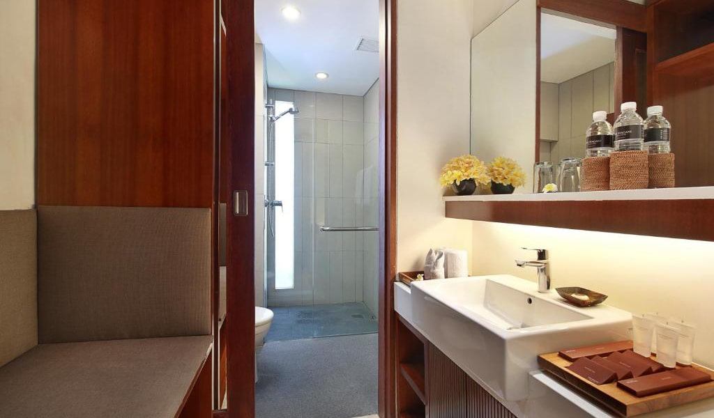 Deluxe-Double-or-Twin-Room-4-min
