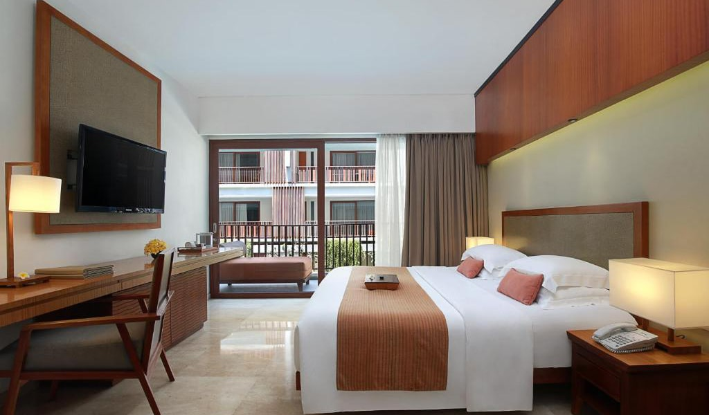 Deluxe-Double-or-Twin-Room-5-min