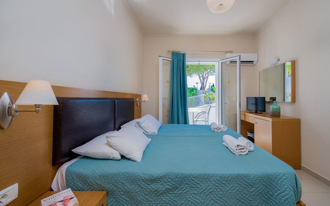 Denny's Inn - Room (27)