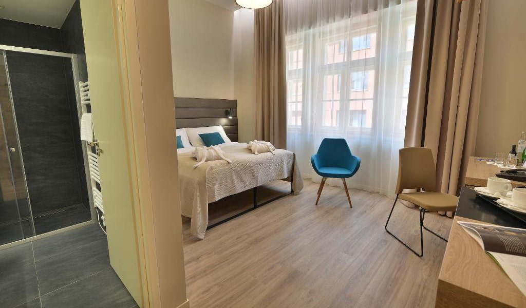 Double-Room-with-Balcony-5-min