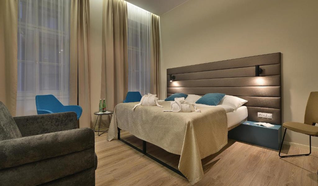 Double-Room-with-Extra-Bed-3-min