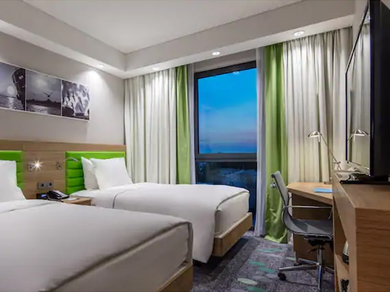 Hampton By Hilton Istanbul (5)