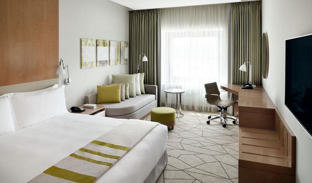 Holiday-Inn-Dubai-Festival-City23-min