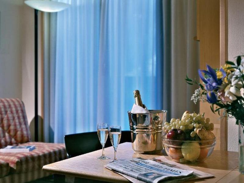 Hotel Les Jumeaux (2)