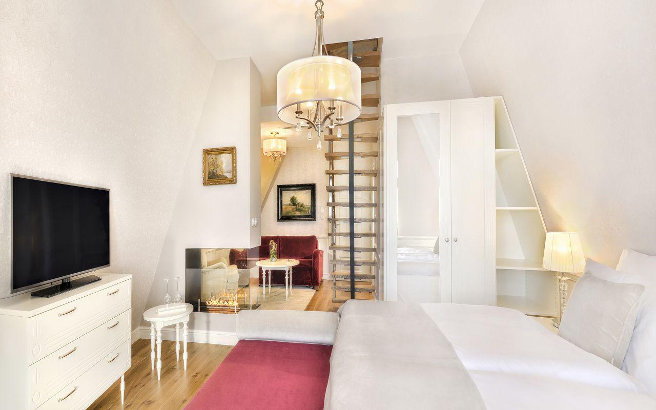 Maximilian apartment