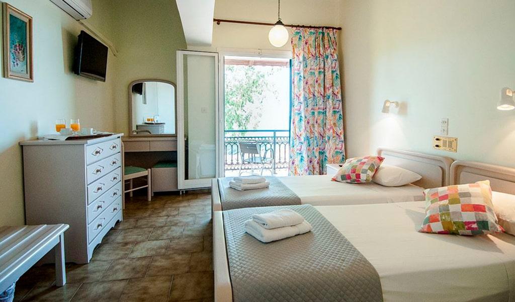 Mimoza Beach Hotel (3)