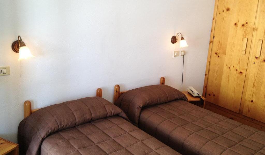 Room_05-min