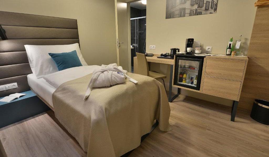 Single-Room-with-Balcony-3-min