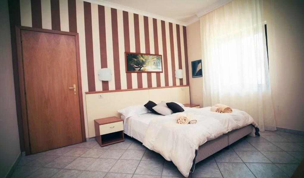 Standard-Apartment-min