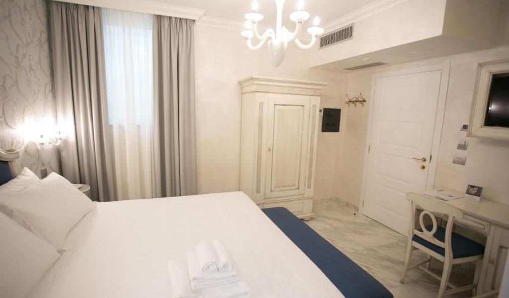 Standard-Double-Room-6-min