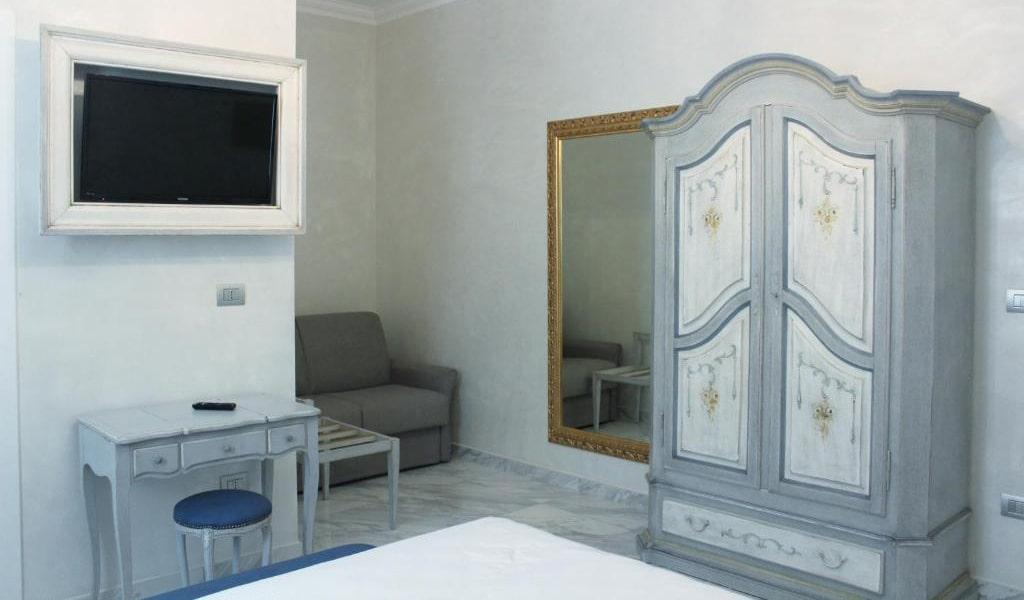 Standard-Triple-Room-2-min