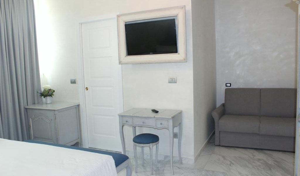 Standard-Triple-Room-3-min
