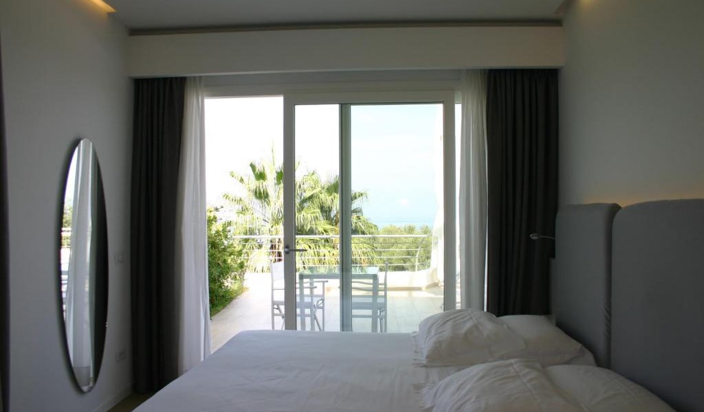 Suite-with-Garden-View-5-min