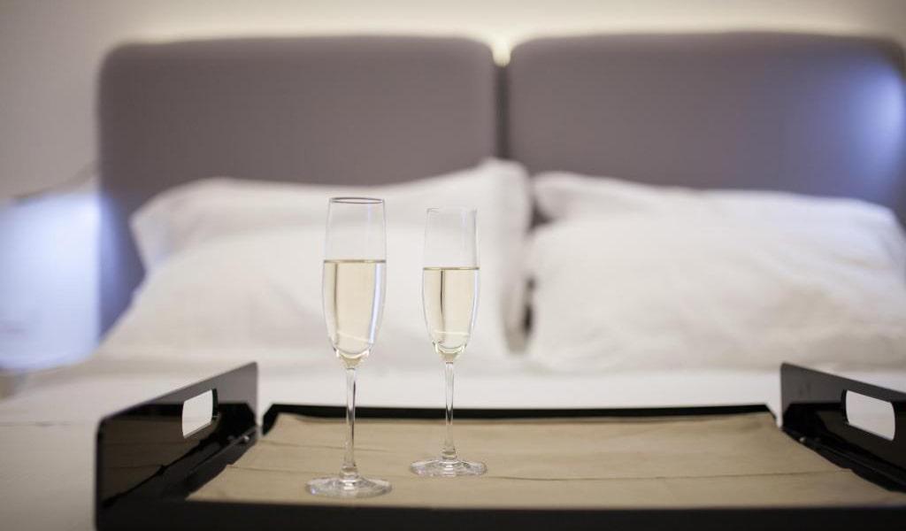Suite-with-Spa-Bath-3-min