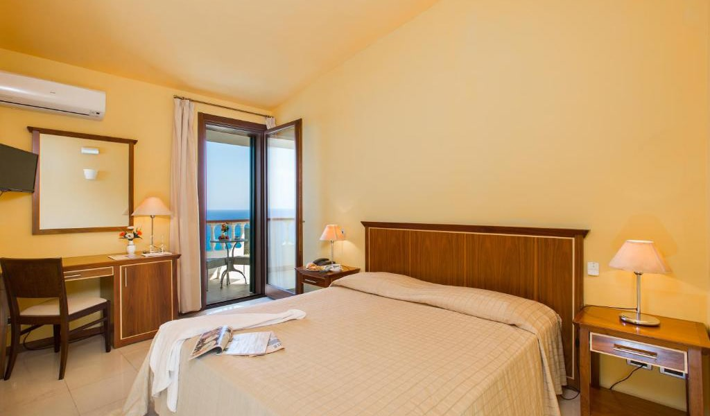 Superior-Double-Room-with-Sea-View-min