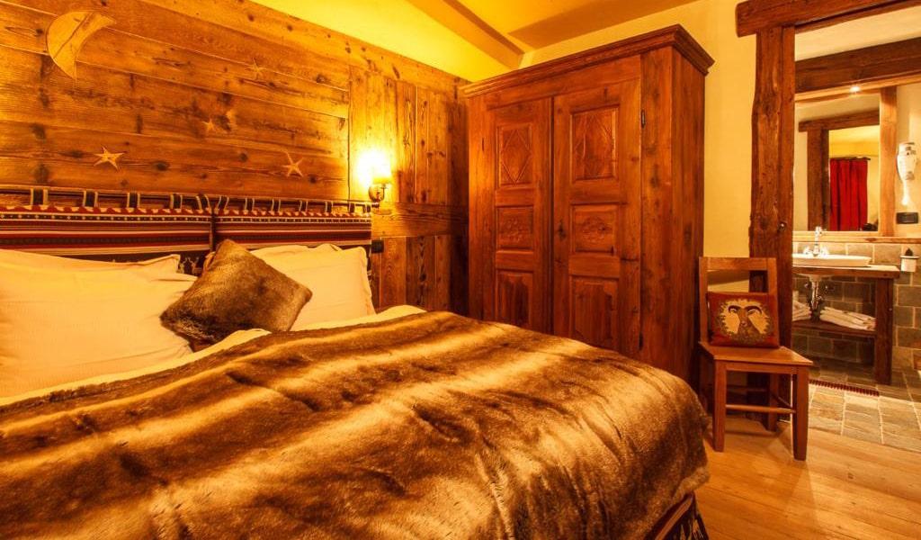Three-Bedroom-Chalet-4-min