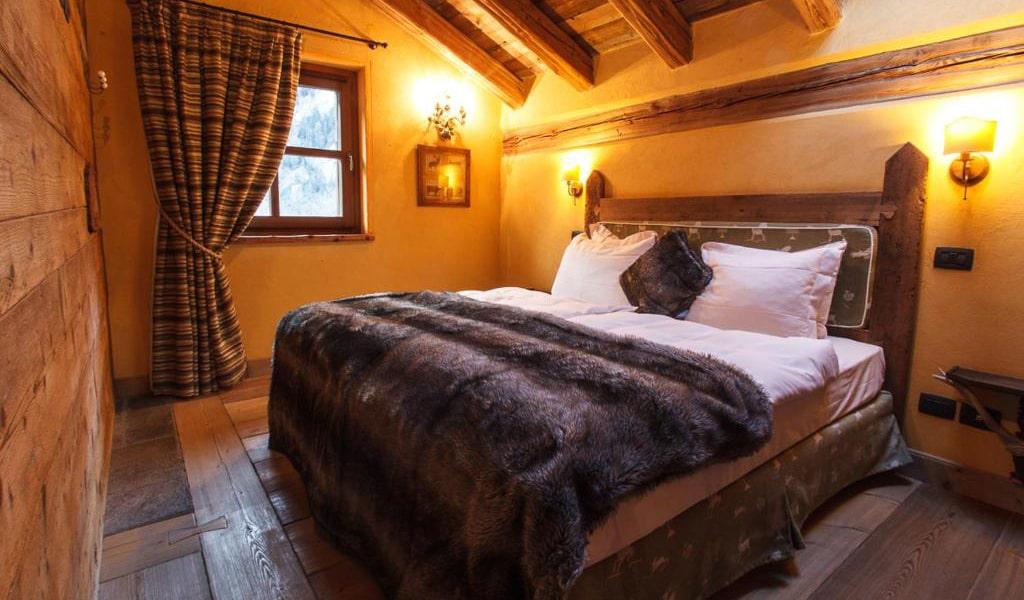 Three-Bedroom-Chalet-5-min