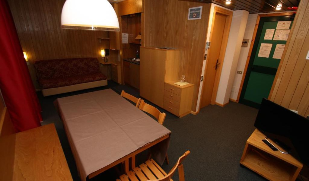 Two-Bedroom-Apartment-(4-Adults)-4-min