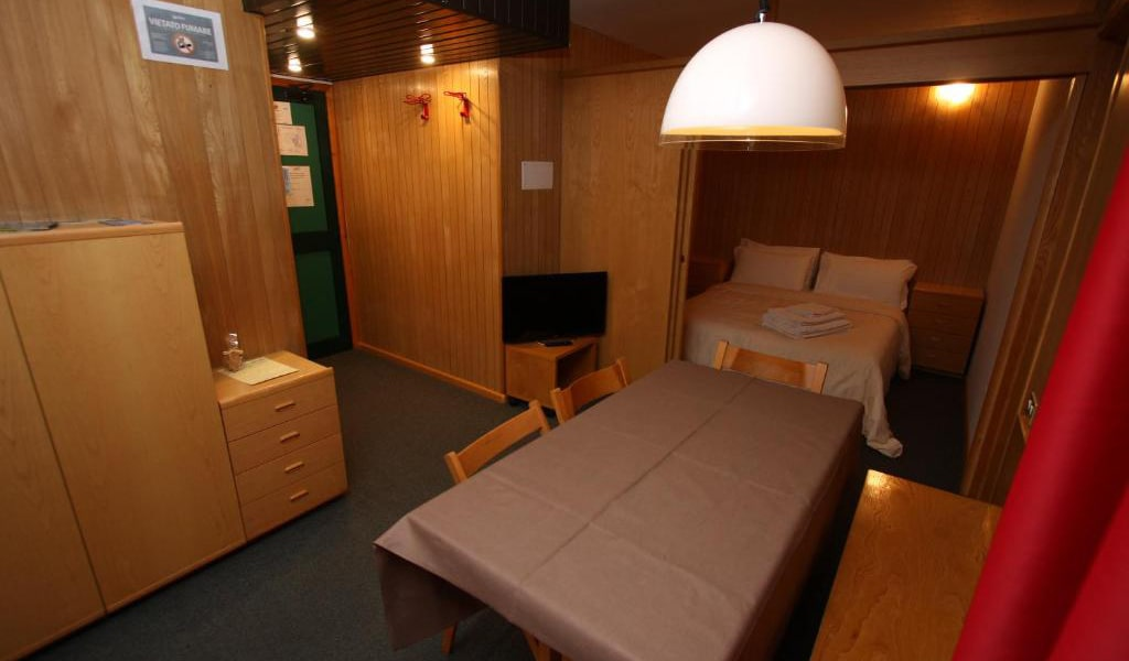 Two-Bedroom-Apartment-(4-Adults)-min