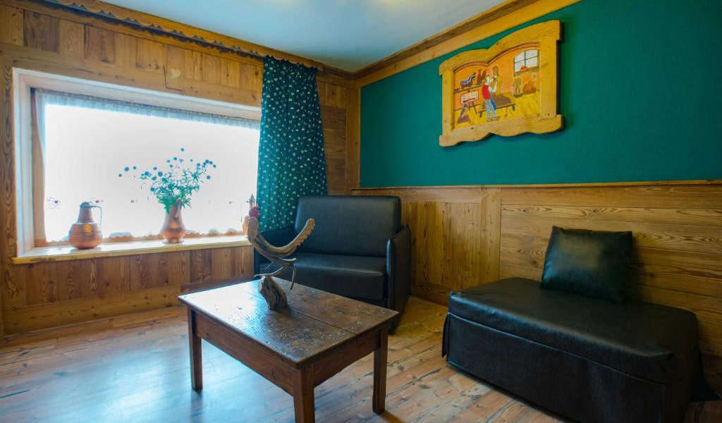 Two-Bedroom-Apartment-(6)-7-min