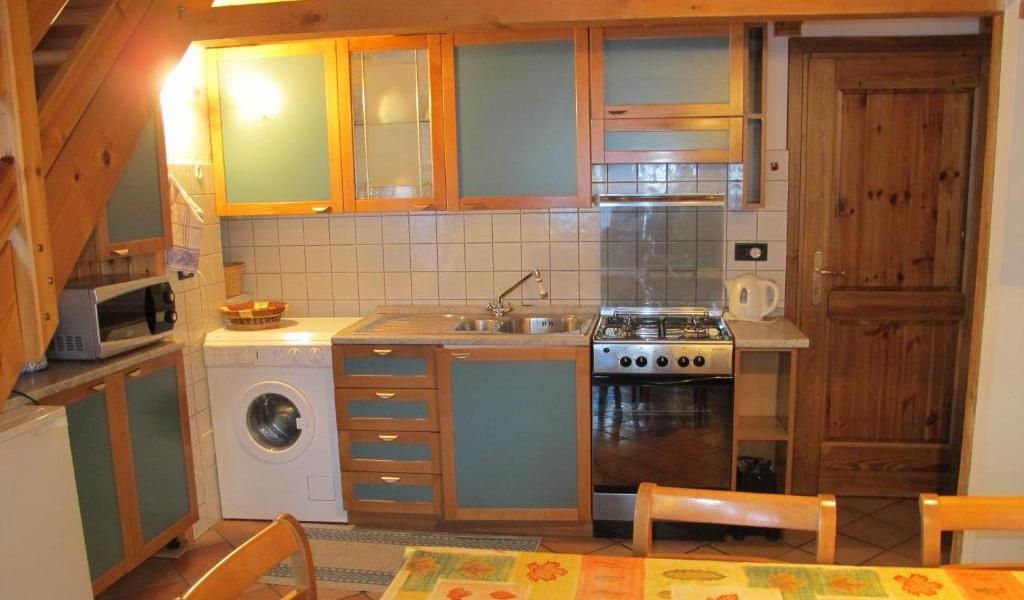 Two-Bedroom-Apartment---Split-Level-5-min