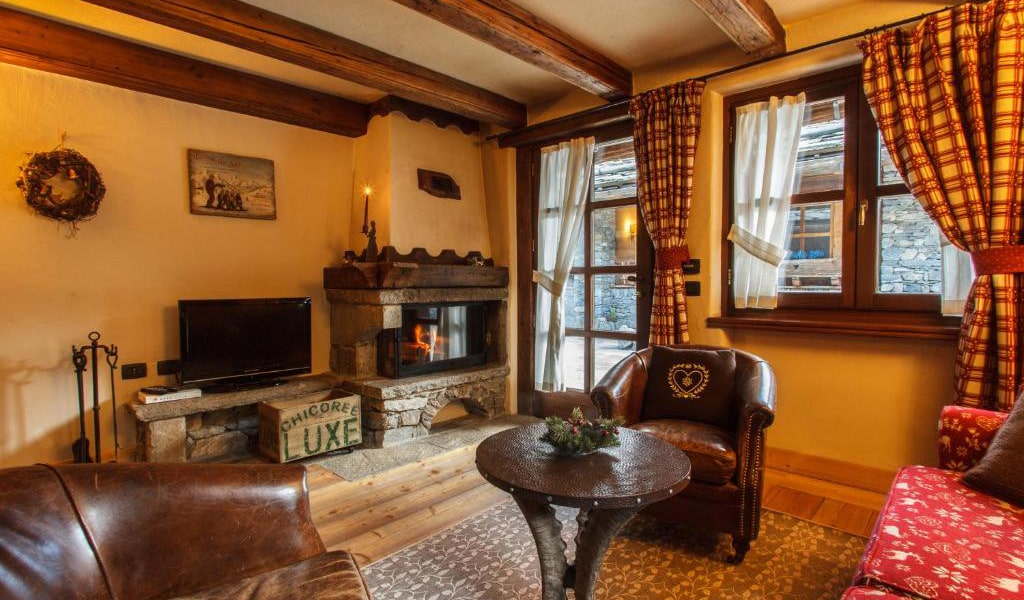 Two-Bedroom-Chalet-min