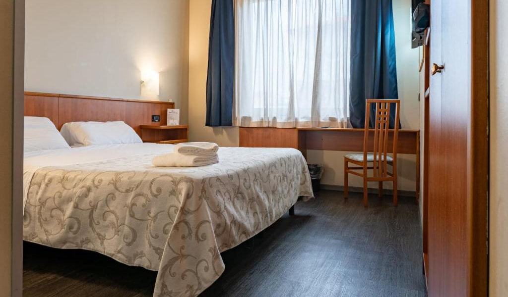 Comfort-Double-Room-7-min