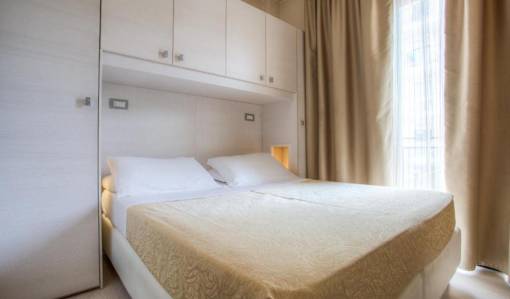 Double-or-Twin-Room-with-Beach-Access-3-min