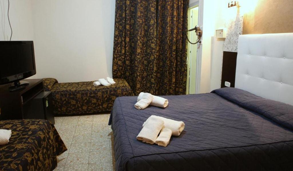 Hotel Busignani (12)