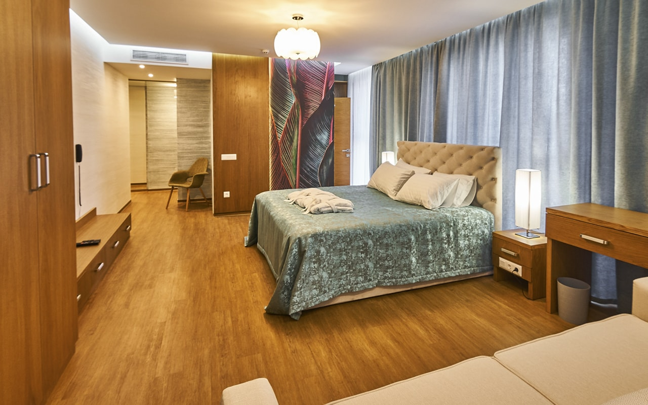Light Hotel (10)