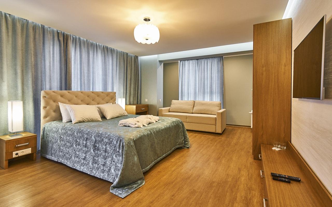 Light Hotel (11)