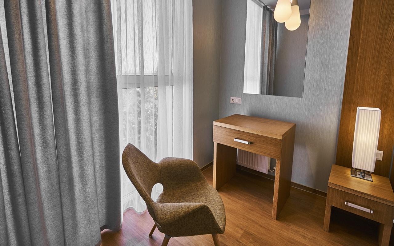 Light Hotel (4)