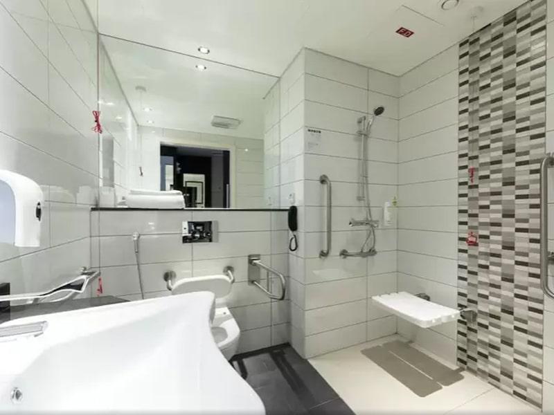 Premier Inn Hotel Doha Education City (14)