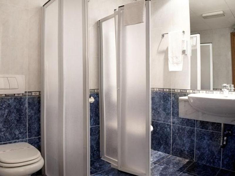 Single-Room---Disability-Access-2-min