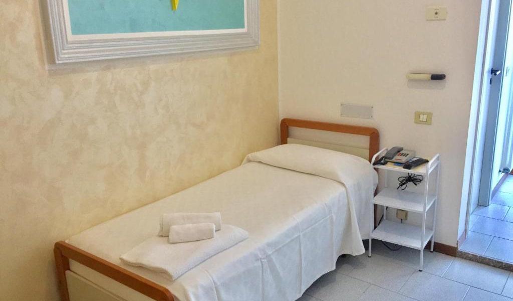 Single-Room-with-Balcony-min
