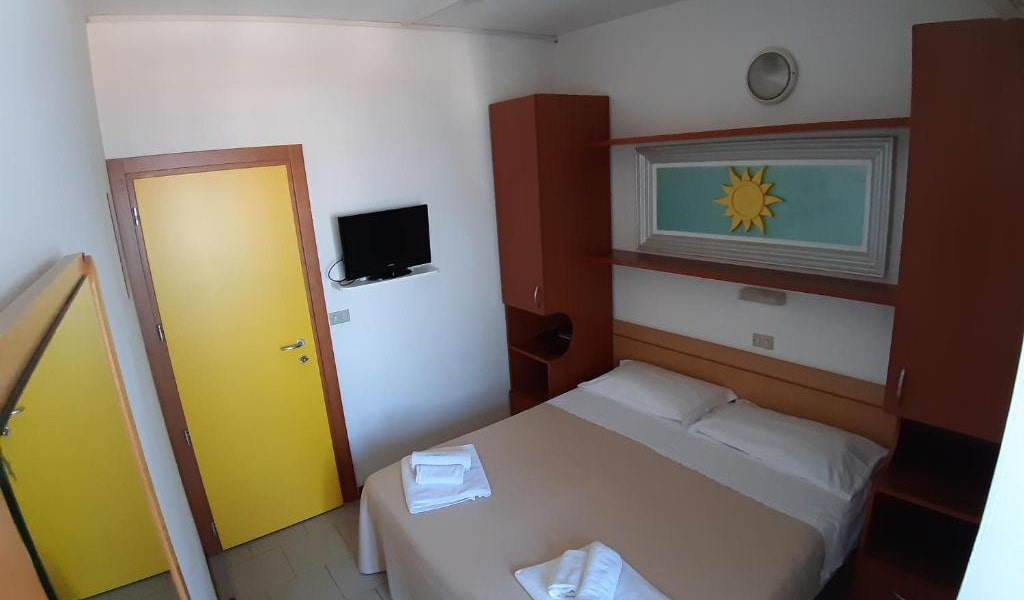 Small-Double-Room-2-min