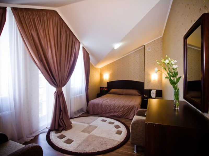 номер-люкс-гостиницы-харькова-цены