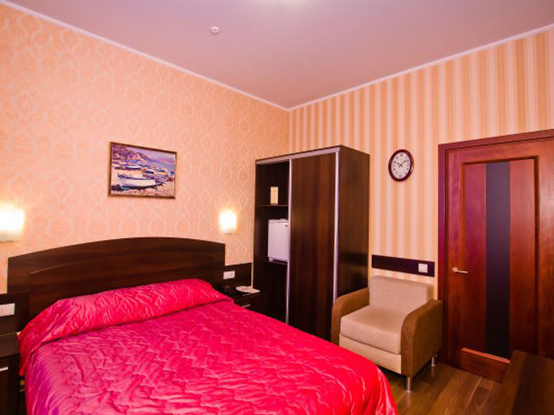 номер-стандарт-гостиницы-харькова-цены-z