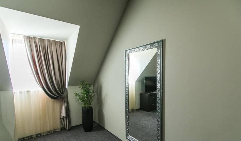 suite_04-min