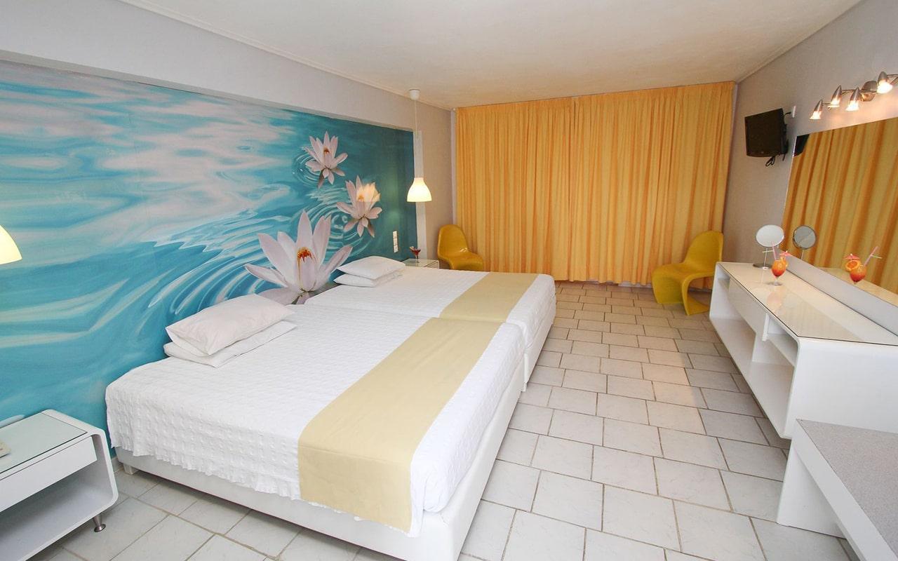 1-Bedroom-Family-Room-min