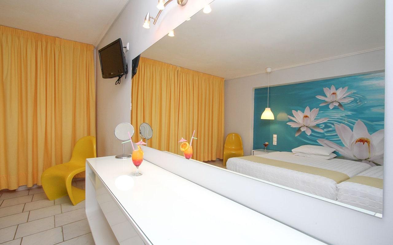 1-Bedroom-Family-Room2-min