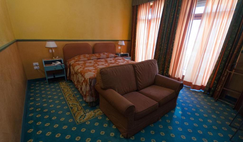 Comfort-Double-Room-3-min