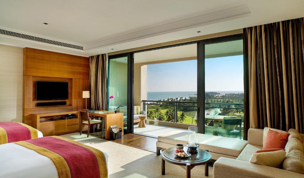 Deluxe-King-or-Twin-Room-with-Sea-View-2-min
