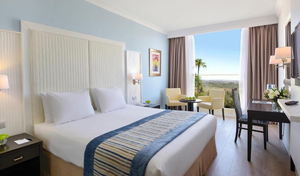 Deluxe-Room-(Inland-View)-min